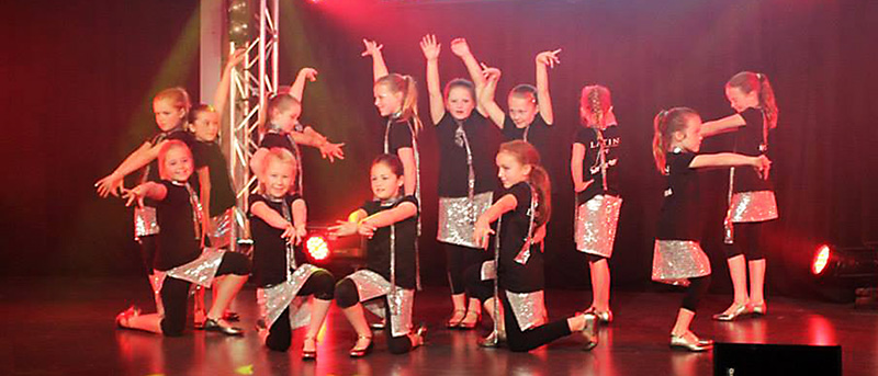 Latin Fire Hip Hop Kids team at the Bachata festival in 2013